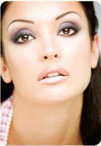 makiyazh glaz 207x300 6 секретов правильного макияжа глаз от профессиональных визажистов